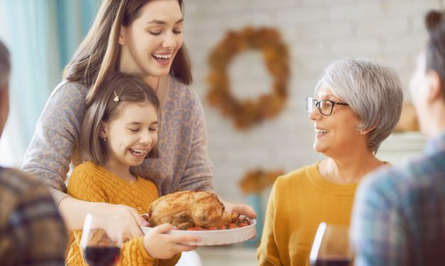 8 Tricks to a Trouble-free Thanksgiving with Kids